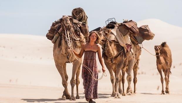 Tracks di John Curran a Venezia 70: una donna sola nel deserto Australiano