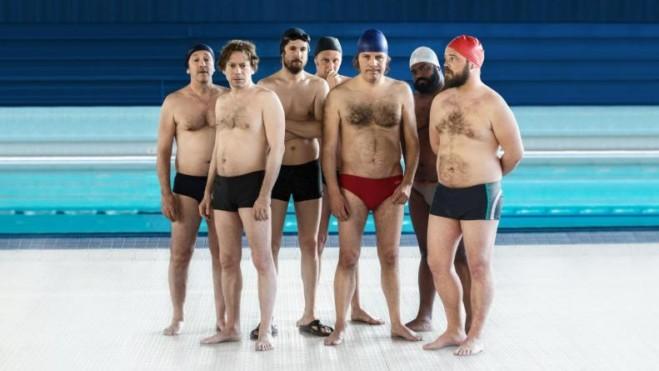 7 Uomini a Mollo, la commedia di Gilles Lellouche: la recensione