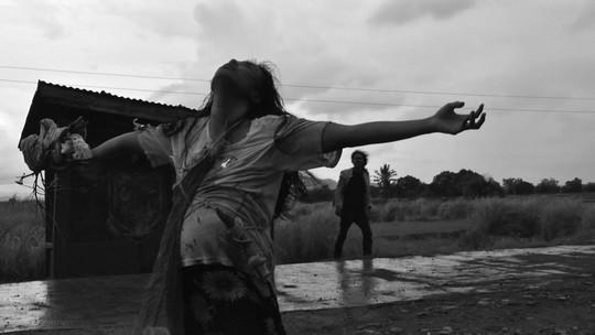 Venezia 68 – Orizzonti – Century of birthing di Lav Diaz (Filippine, 2011)