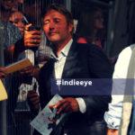 Mads Mikkelesen assediato dai fan a Venezia 75