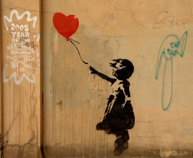 Banksy – il terrorista dell'arte di Sabina De Gregori (Castelvecchi editore, 2010)
