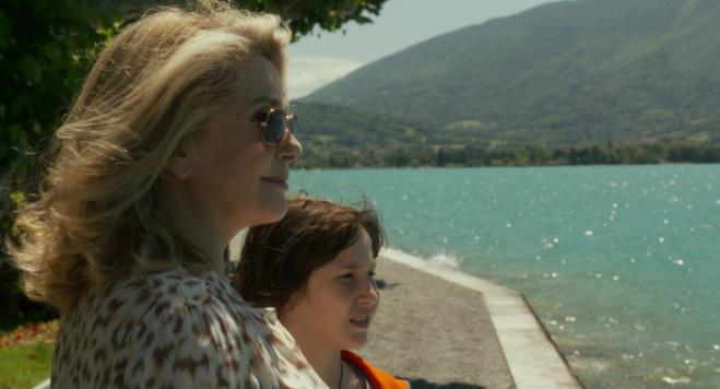 Elle s'en va di Emmanuelle Bercot a France Odeon: la Deneuve a Settant'anni
