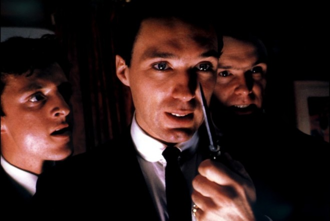 Martin Kemp in Age of Kill di Neil Jones e Tom Hardy nella parte dei fratelli Krays