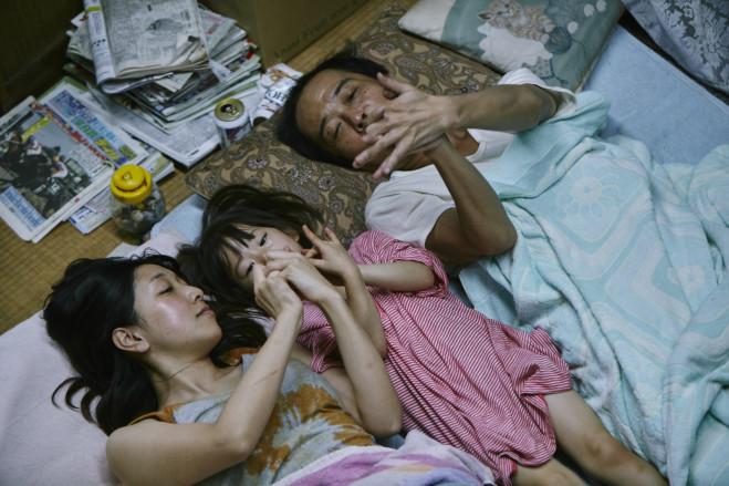 Shoplifters di Hirokazu Kore-eda a Cannes 2018, il trailer