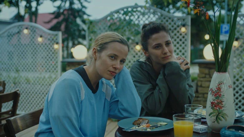 Sopravvivere all'estate (Summer Survivors)  di Marija Kavtaradze: recensione